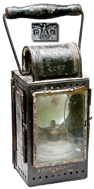 Deutsche Reichsbahn - WWII Reichsbahn military marked railwayman's carbide burner lantern (ca. 1942)