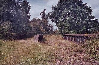 King's Lynn railway station - Image: Disused railway bridge, South Lynn