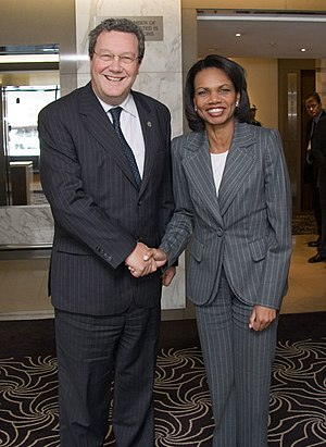 Alexander Downer - Downer with U.S. Secretary of State Condoleezza Rice in 2007.
