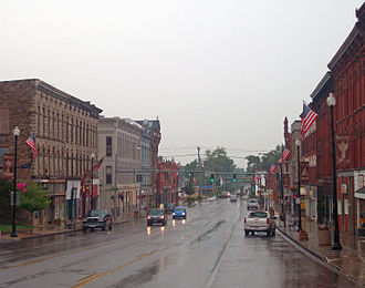 Albion (village), New York - Looking north along Main Street in downtown Albion