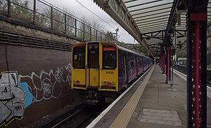 Drayton Park railway station - Image: Drayton Park railway station MMB 02 313123
