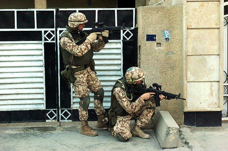 Armée Estonienne/Estonian Army - Page 3 800px-EST_Scouts_Battalion_Iraq_2005-2