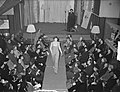 Een modeshow tijdens een bijeenkomst van de Nederlandse Bond van Plattelandsvrou, Bestanddeelnr 904-4335.jpg
