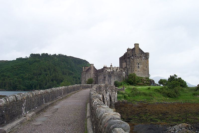 File:EileanDonanCastleBridge.jpg