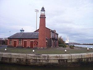 Ellesmere Port - Whitby lighthouse