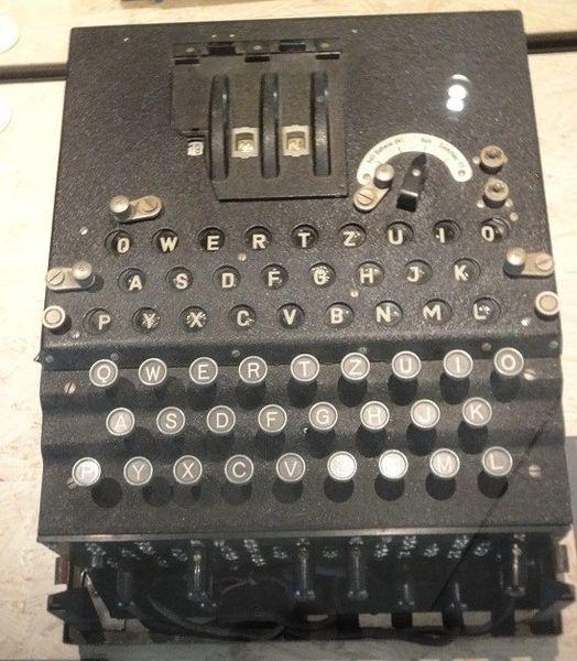 File:Enigma 1940.JPG
