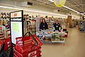 FEMA - 40129 - FEMA mitigation officers at a store in Washington.jpg