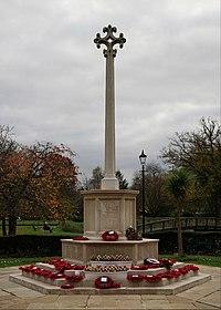 Farnham War Memorial (geograph 4739387).jpg