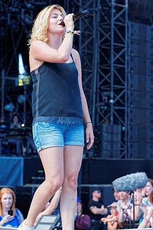 Louane Emera - Louane at the 2016 Vieilles Charrues Festival.