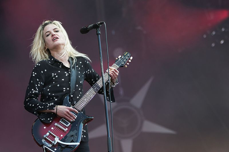 File:Festival des Vieilles Charrues 2016 - The Kills - 094.jpg