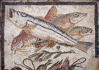 Neapolitan cuisine - Fish in a mosaic found in PompeiiL Naples National Archaeological Museum