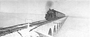 Overseas Railroad - Image: Florida east coast causeway to Key West (CJ Allen, Steel Highway, 1928)