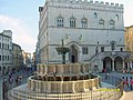 Fontana centrale di Perugia - panoramio.jpg
