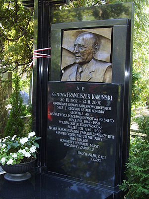 Franciszek Kamiński - Grave of Franciszek Kamiński, the commander of BCh, at the Powązki Cemetery in Warsaw.
