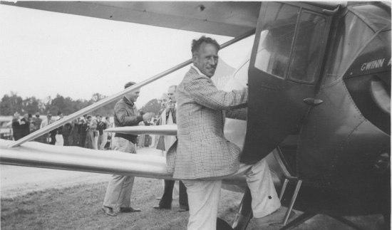 Frank Hawks and Gwinn Aircrar