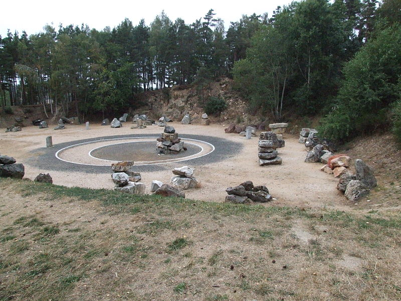 The Géoscope at the motorway service station, La Lozère, displays a collection of rocks found in Lozère. Each has a description.