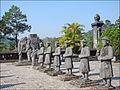 Gardes d'honneur (Tombeau de Khai Dinh) 1.jpg