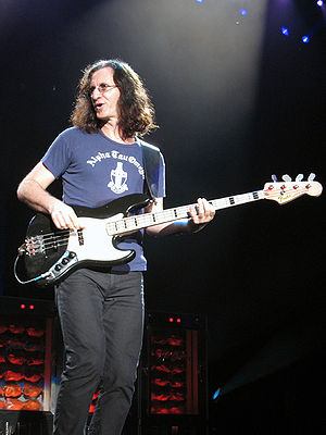Snakes & Arrows Tour - Geddy Lee playing his signature Fender Jazz Bass