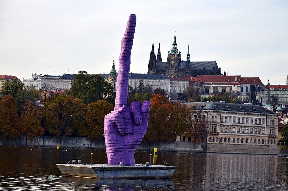 Gesto, David Černý(sochař), 21.10.2013, Praha