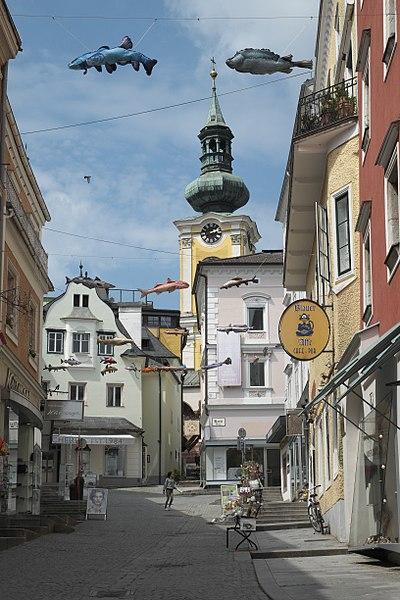 File:Gmunden Marktplatz 739.jpg