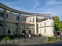 Goussainville (95), Hôtel de ville, place de la Charmeuse.jpg