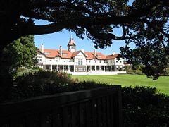 Government House, Wellington, 2011.jpg