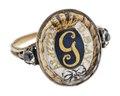 Gustaf IIIs revolutionsring av guld med emalj och bergskristall, 1770-tal - Hallwylska museet - 110242.tif