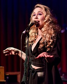Haley Reinhart Hotel Cafe 2018.jpg