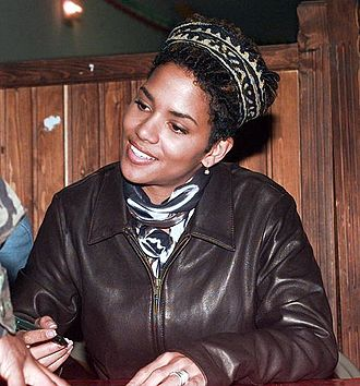 Halle Berry - Berry signs autographs for American soldiers in Bosnia and Herzegovina, December 24, 1996