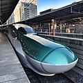 Hayabusa shinkansen @ Tokyo Station travel to Aomori in 3 hours - panoramio.jpg