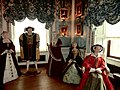 Henry VIII and wives at Warwick Castle - panoramio.jpg