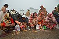 Hindu Devotees Pray To Surya - Makar Sankranti Observance - Baje Kadamtala Ghat - Kolkata 2018-01-14 6893.JPG