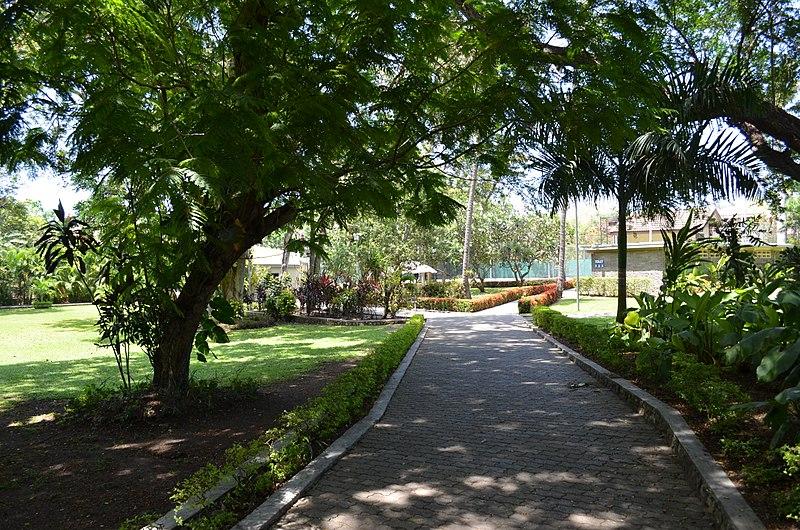 File:Holiday Inn Port Moresby-3.jpg
