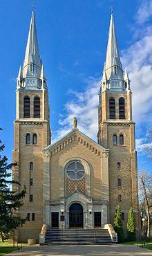 Holy Rosary Roman Catholic Cathedral, Regina, Saskatchewan.jpg