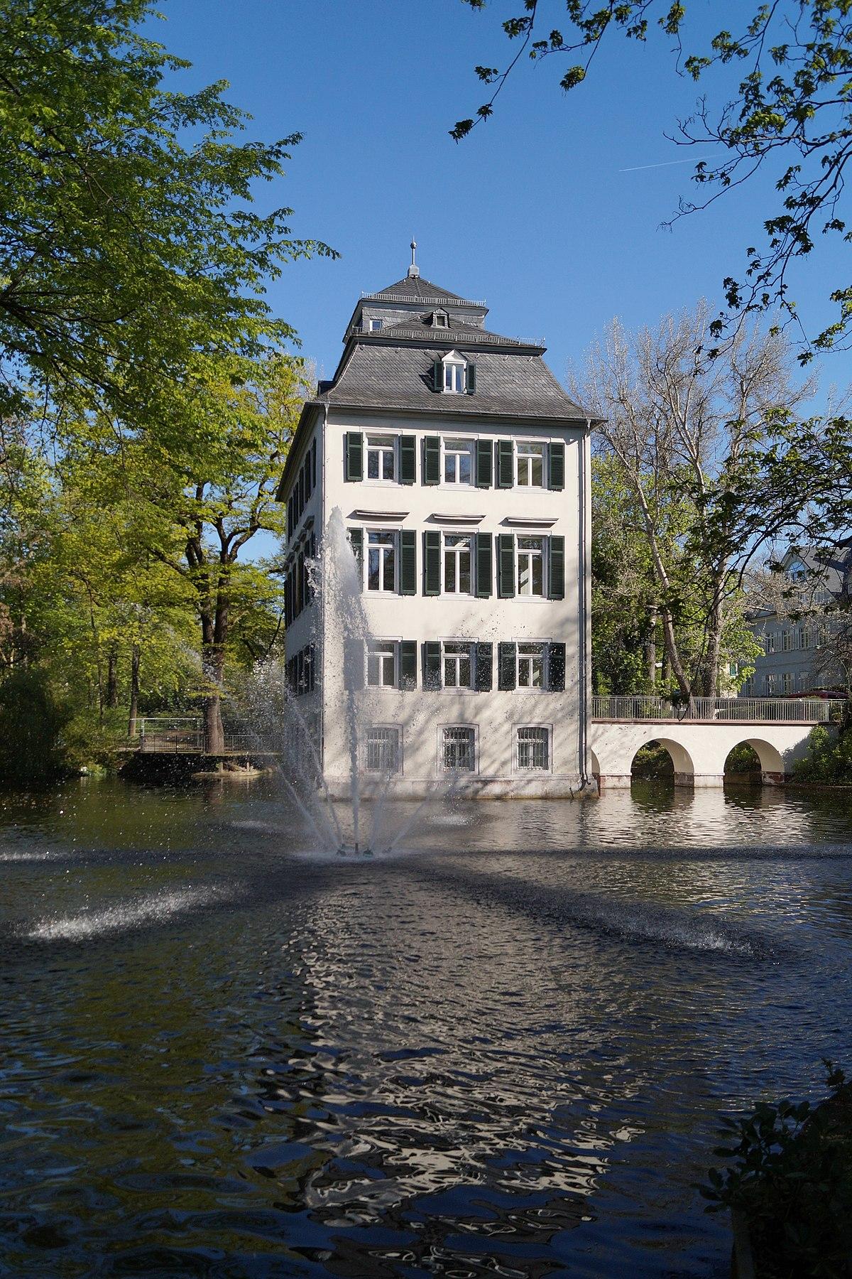 Form Im Raum Frankfurt holzhausenschlösschen