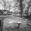 Hoofdweg, voor de Fraelemaborg in noordelijke richting - Slochteren - 20200766 - RCE.jpg