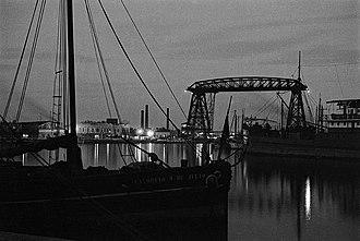 Puente Transbordador - Image: Horacio Coppola Buenos Aires 1936 Riachuelo desde la Vuelta de Rocha
