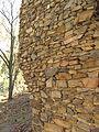 Hrochův Hrádek, zeď.jpg