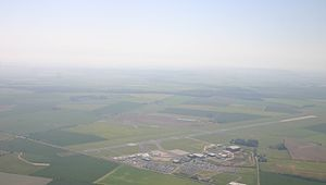 Humberside Airport 10Jun06.JPG