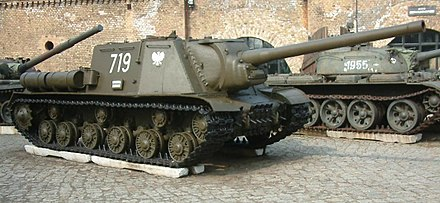 Soviet ISU-122, a casemate tank destroyer of the Second World War, shown here with postwar Polish Army markings ISU-122 skos RB.jpg