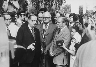 Impeachment process against Richard Nixon - Senators Scott and Goldwater and Representative Rhodes hold an informal press conference following their August 7 meeting with the president