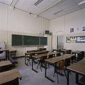 Interieur, overzicht van een klaslokaal - 's-Gravenhage - 20387495 - RCE.jpg