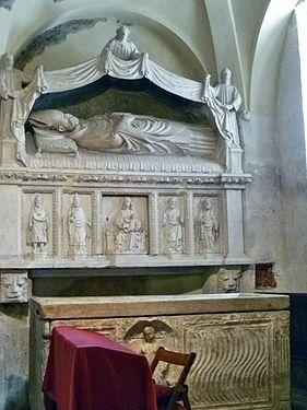 Interior of Cathedral of Split - Old altar of St. Domnius 001.jpg