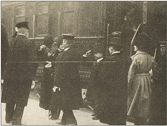 Itō Hirobumi - Ito (second on the left) before being gunned down by An Jung-geun