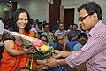 Jayashri Anil Manekar Receives Flower Bouquet From Arun Krishna Mazumder - NCSM - Kolkata 2018-03-31 9601.JPG