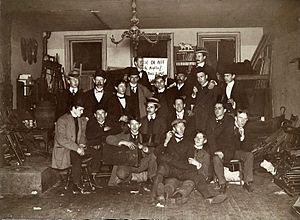 Ashcan School - Ashcan School artists and friends at John French Sloan's Philadelphia Studio, 1898