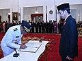 Jokowi appoint Djarot.jpg