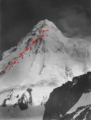 1953 American Karakoram expedition - The route taken by the expedition on the upper section of the Abruzzi Spur, showing the positions of Camps III-VIII. The near fatal accident occurred between Camps VII and VIII. Click to enlarge.