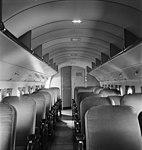 Kabine einer Douglas DC-3.jpg