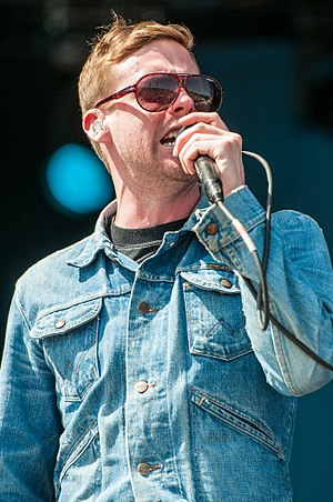 Ricky Wilson (singer) - Wilson performing with Kaiser Chiefs in 2014